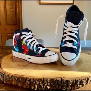 NEW! Geography Class Chuck Taylor All Star, Size 4